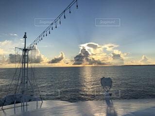 水の体のボートの写真・画像素材[1693171]