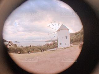 オリーブ公園と風車の写真・画像素材[1695748]