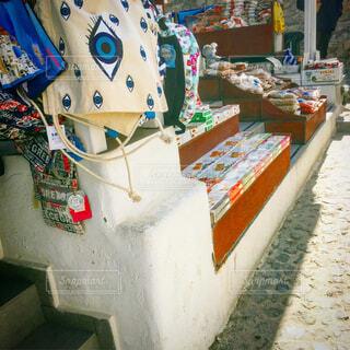 サントリーニ島のお店の写真・画像素材[1696881]