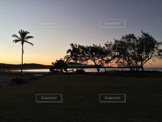 日没の前の写真・画像素材[1696978]