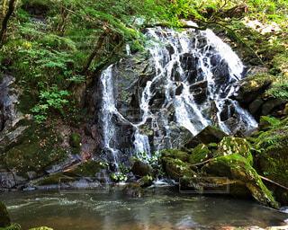 そうめんの滝の写真・画像素材[2387294]
