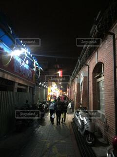 台北の夜の街の写真・画像素材[1703167]