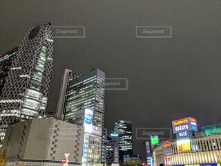 新宿駅西口の出口前の写真・画像素材[1701095]