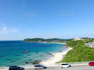 角島大橋と青空の写真・画像素材[1702835]