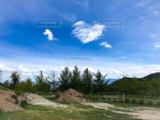 ハート型の雲の写真・画像素材[1711190]