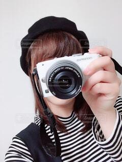 カメラ女子の自撮りの写真・画像素材[1711561]