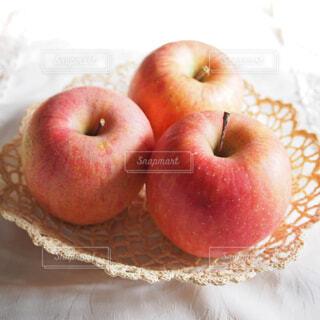 赤いリンゴの写真・画像素材[1717213]