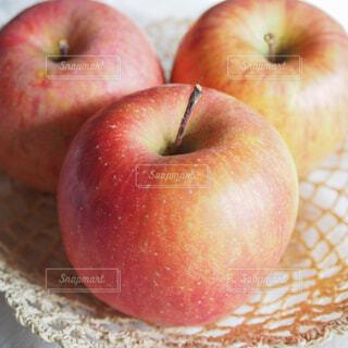 赤いリンゴの写真・画像素材[1717219]