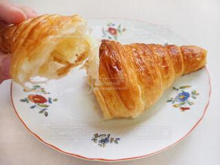 朝食のパンの写真・画像素材[1770631]
