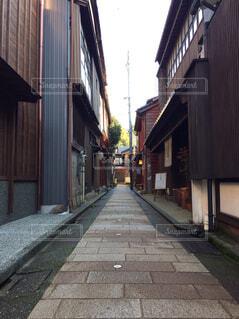 石川県金沢市の東茶屋街の路地裏の写真・画像素材[1704708]