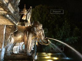 象から噴水の写真・画像素材[1706388]