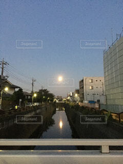 蒲田近辺で夕日の写真・画像素材[1704748]