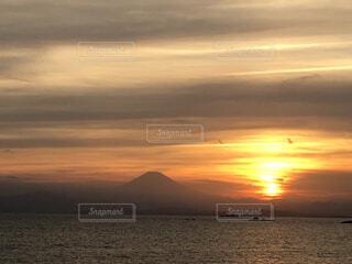 富士山と夕日の写真・画像素材[1704753]