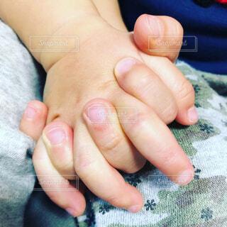 赤ちゃんの手の写真・画像素材[1706001]
