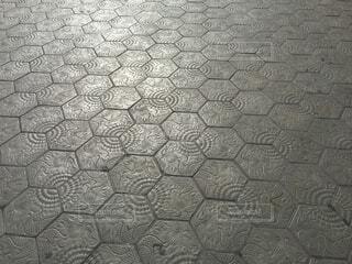 ガウディのタイル歩道の写真・画像素材[1708587]