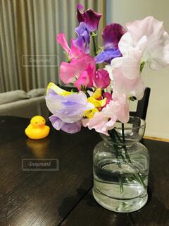 テーブルの上に春の写真・画像素材[1707568]