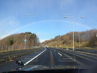 虹のトンネルくぐりますの写真・画像素材[1707976]