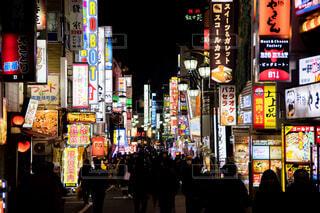 歌舞伎町は眠らないの写真・画像素材[1736175]