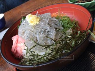 鎌倉の生しらす丼の写真・画像素材[1715776]