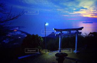 天空の鳥居の写真・画像素材[1713076]