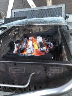 バーベキューの火の写真・画像素材[1716207]