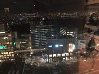 夜の新宿の街の写真・画像素材[1716215]
