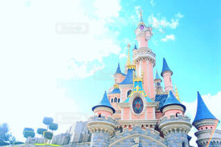 ピンクのお城とパステルブルーの写真・画像素材[1714307]