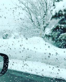 雪の日のドライブの写真・画像素材[1726744]