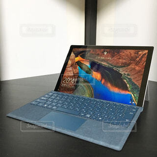 ユーザーを探すパソコンの写真・画像素材[1714965]