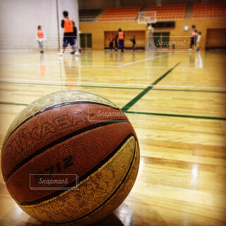 バスケットボールの写真・画像素材[1716018]