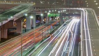 深夜の高速道路の写真・画像素材[1725072]