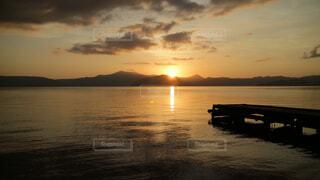 十和田湖の日の出の写真・画像素材[1718564]