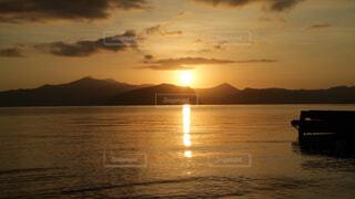 十和田湖の日の出の写真・画像素材[1718565]