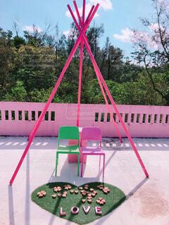 ピンクのラブチェアーの写真・画像素材[1723759]