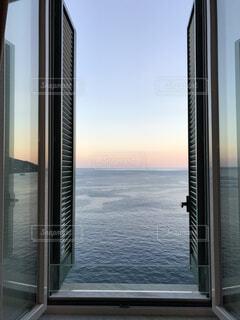アマルフィのホテルの窓からの写真・画像素材[1732675]
