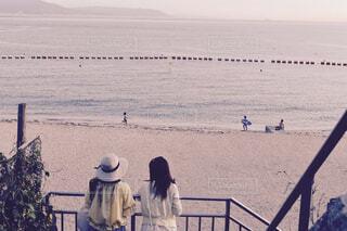 セピア色の海の風景の写真・画像素材[2127556]