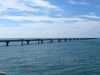 水の体の上の橋 下地島空港の写真・画像素材[1718969]