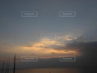 冬の夕焼けの写真・画像素材[1723481]