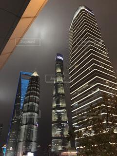 高い建物の写真・画像素材[3008056]