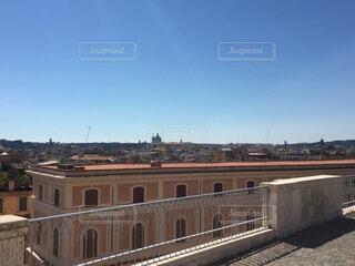 イタリアの綺麗な青い空の写真・画像素材[1719801]