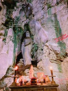 五行山にある洞窟の写真・画像素材[1720031]