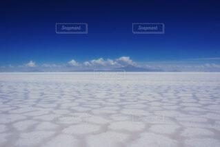 ウユニ塩湖の狭間の写真・画像素材[1750892]