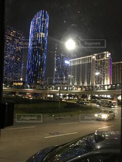 夜の街の景色の写真・画像素材[1723936]