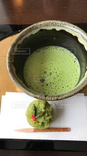 お抹茶とうさぎの和菓子の写真・画像素材[1730557]