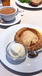 アップルパイとコーヒーの写真・画像素材[1730774]