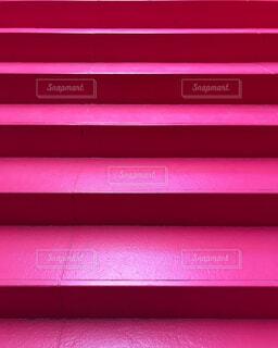 ピンクの階段の写真・画像素材[1730777]