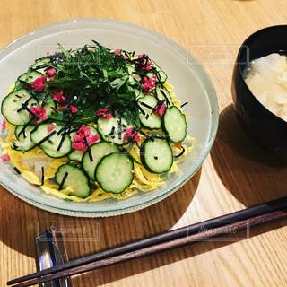 散らし寿司とお吸い物の写真・画像素材[1732836]