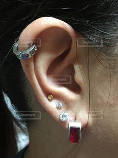派手な耳の写真・画像素材[1733474]