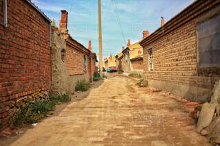 レンガの家が並ぶ道の写真・画像素材[1742770]
