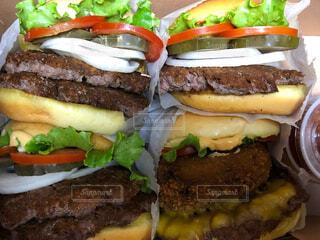 ハンバーガーの写真・画像素材[2424223]